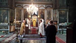 """Една от последните снимки на епископ константин в храм """"Св. прор. Илия"""". Автор: Ивинела Самуилова"""