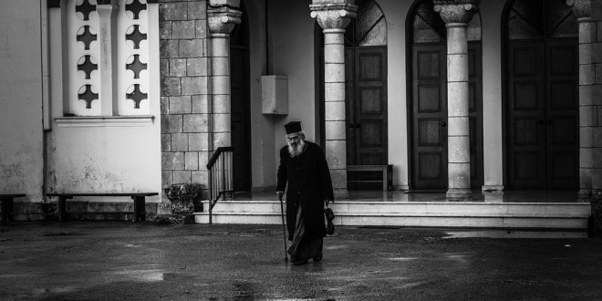 priest-1947767_960_720