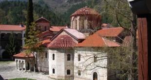 В Бачковския манастир тържествено бе отбелязана Голяма Богородица.